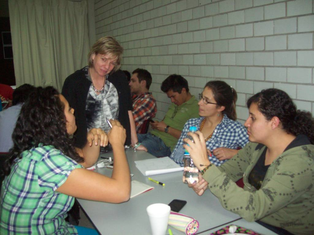 CityU Faculty member, Cynthia Meuchel, with UASLP students