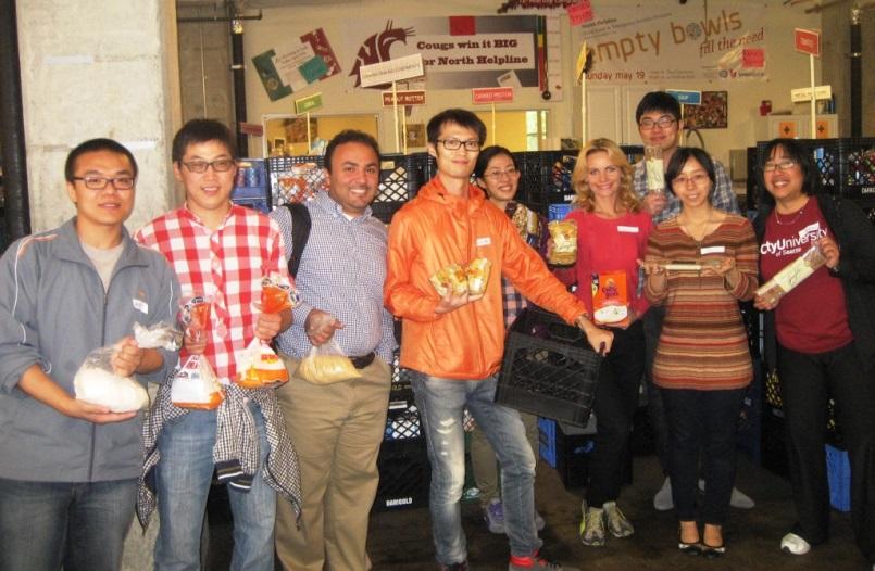 WAL Students Volunteer at Local Food Bank