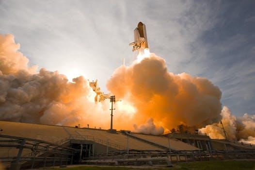 space-shuttle-lift-off-liftoff-nasa